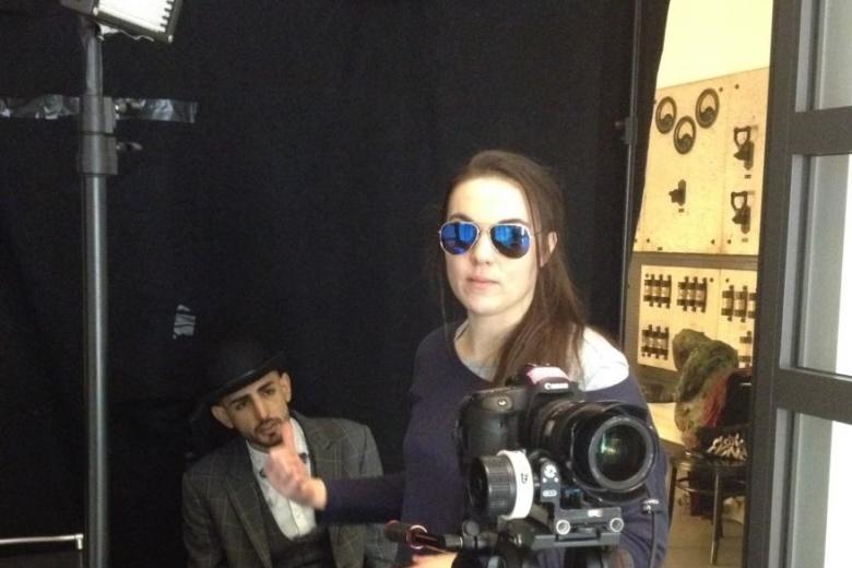 Rebekka Waitz Filmset Liftboy Kamera und Cast